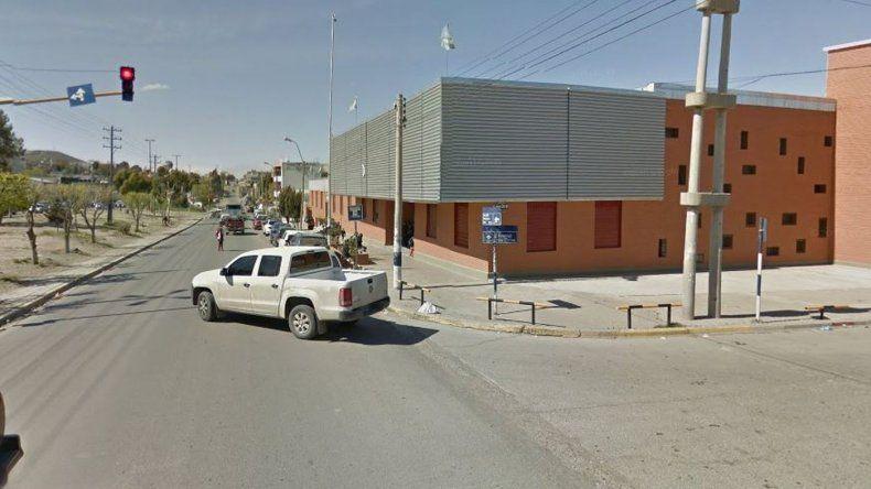 Una pareja acompañada de un niño asaltó a remisero en el barrio Ceferino