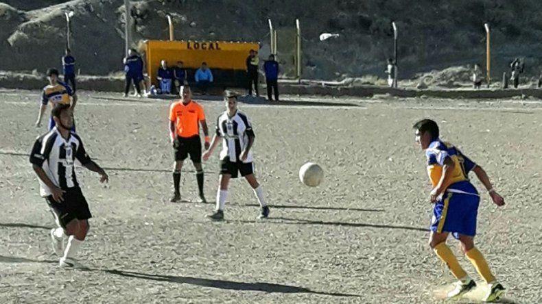 Talleres y Nueva Generación animaron un partido entretenido en Kilómetro 3.