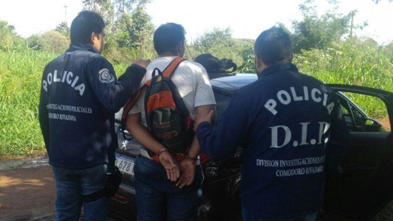 El momento de la detención del sospechoso que se encontraba prófugo.