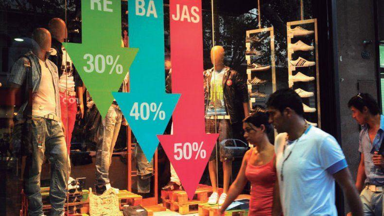 Las ventas minoristas continúan bajando
