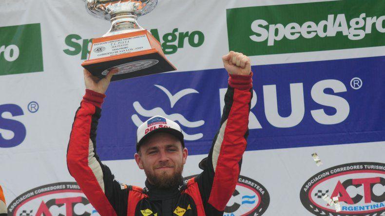 Marcelo Agrelo otra vez hizo podio en el TC Pista y continúa firme en el campeonato.