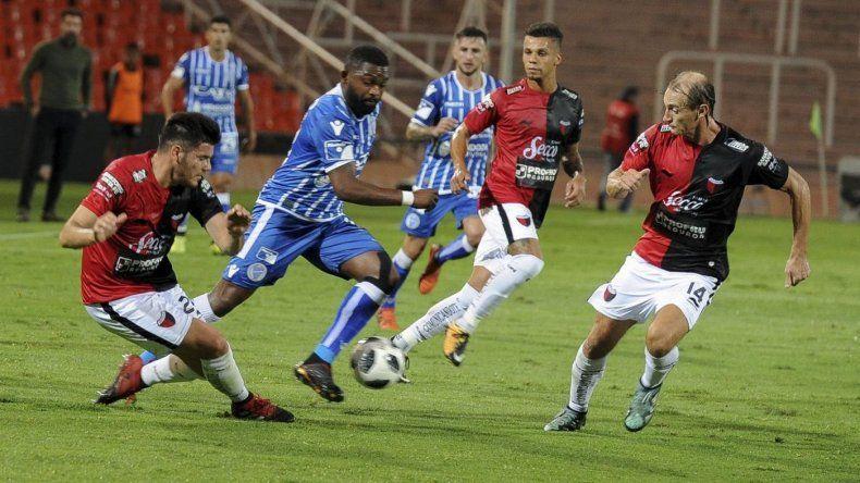 Godoy Cruz le ganó a Colón y se afianza en la zona de Libertadores 2019