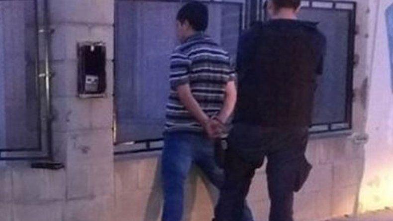 Una pareja fue detenida cuando huía con  lo robado en una casa de Standart Norte