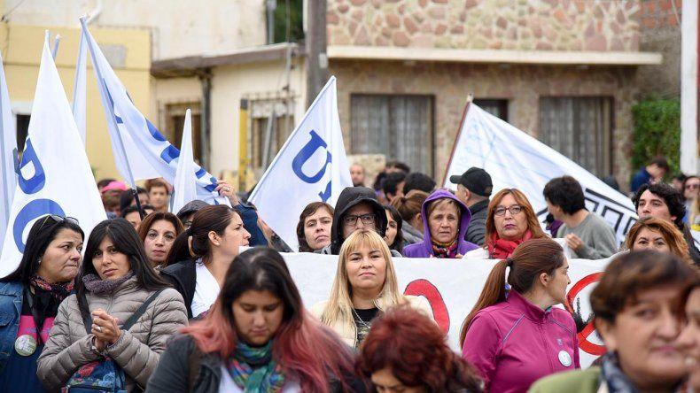 Los trabajadores estatales comenzarán hoy un paro de 48 horas con una panfleteada y movilización. Mañana realizarán una marcha en Casa de Gobierno.