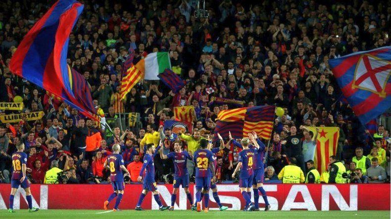 Barcelona goleó a la Roma y encaminó su clasificación