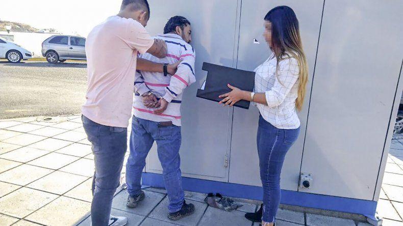 El prófugo de Neuquén fue detenido ayer al mediodía en la costanera. Más tarde quiso visitarlo un falso abogado.