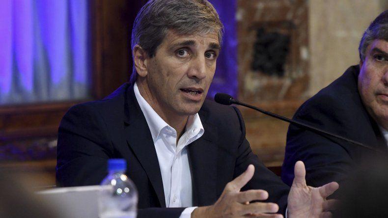 El ministro Luis Caputo decidió en forma unilateral suspender su rendición de cuentas ante el Congreso.