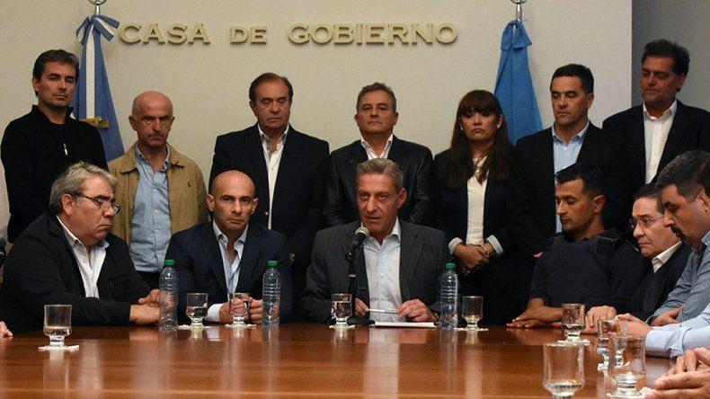 Decretan tres días de duelo por la muerte del comisario a Néstor Chávez