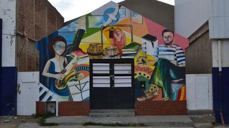 La Casa de la Cultura de la Universidad está ubicada en Kilómetro 3.