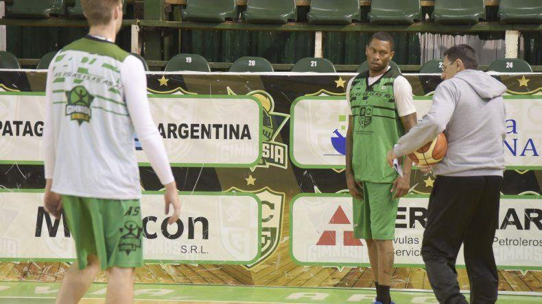 Con el debut de Winsome Frazier, Gimnasia recibirá esta noche a Argentino de Junín