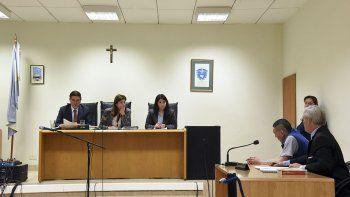 El momento en que el tribunal comunica la sentencia de prisión perpetua para Nelson Aguilante.