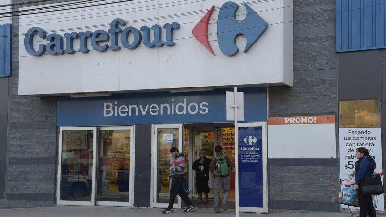 Carrefour: siguen las negociaciones entre sindicalistas y empresarios