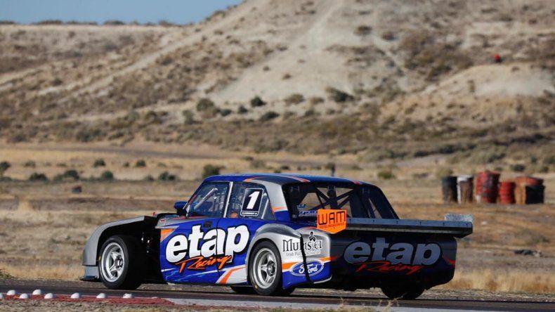 El Ford de Sergio Larreguy que ayer dominó en la primera serie del TC Austral.