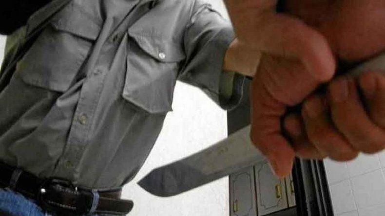 Se fue a entregar a la Comisaría Mosconi pero no lo dejaron preso