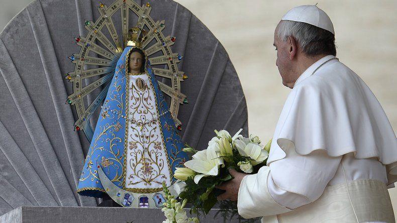 La imagen de la Virgen de Luján que recorre el país fue bendecida por el Papa Francisco.