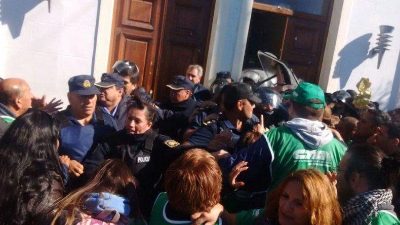 Intendentes repudiaron los incidentes en la manifestación de gremios estatales