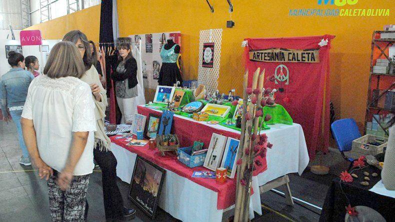 Caleta vivió la primera  edición de la Expo Mujer