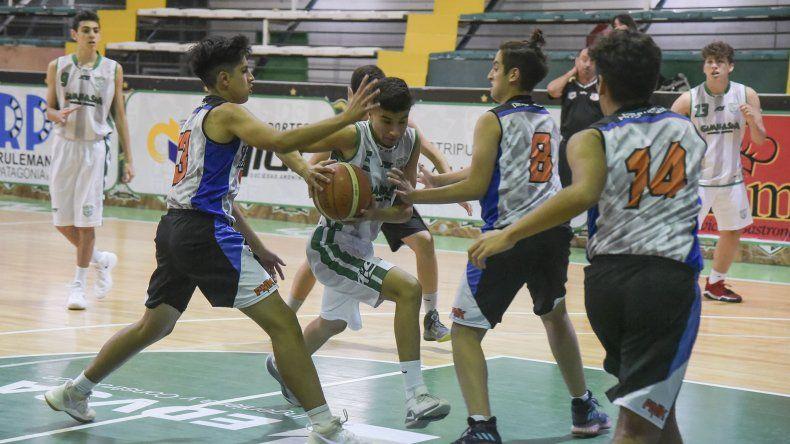 Gimnasia Verde venció el sábado en el Socios Fundadores a Escuela Municipal Caleta Olivia en la categoría U15.
