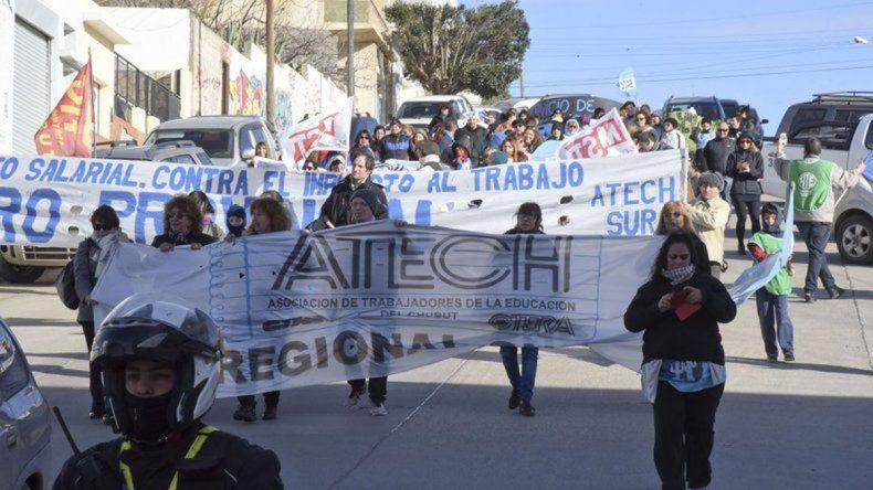 Docentes realizaron una clase pública en Pellegrini y San Martín
