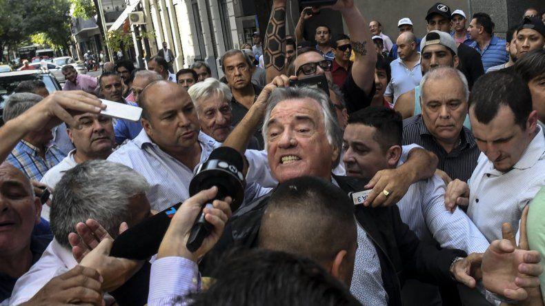 Barrionuevo asumió en el PJ y denunció que Gioja está atrincherado