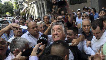 En una escandalosa jornada, Luis Barrionuevo asumió como interventor del PJ.