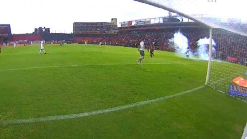 Sancionaron a barras de Colón tras los incidentes ante Vélez