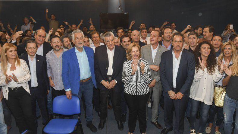 El peronismo encolumnado detrás de la figura de José Luis Gioja realizará el 18 de mayo un congreso nacional partidario para rechazar la intervención.
