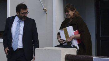 El subdirector de Asuntos Jurídicos de la Armada, Gabriel Piscicelli, se retiró del Juzgado Federal de Caleta Olivia alrededor de las 13 en el mismo momento que lo hacía la jueza Marta Yáñez.