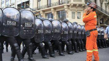 Reprimieron la marcha que mineros de Río Turbio realizaron en Buenos Aires