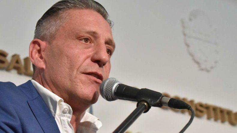 El gobernador Arcioni suspendió sus actividades por la muerte de su madre
