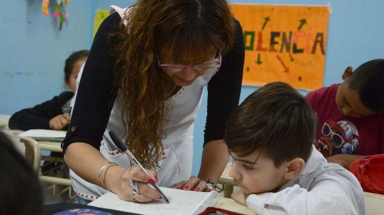 Unos 18 mil docentes cobrarán este viernes el fondo de incentivo