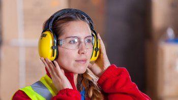 el ruido en el trabajo aumenta el colesterol y la presion arterial