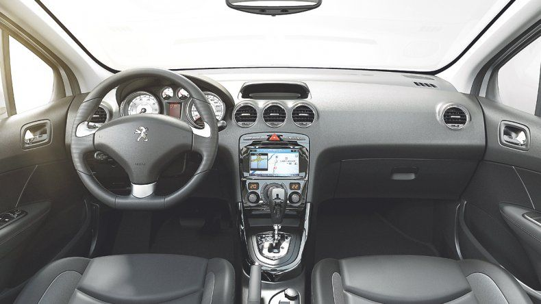Peugeot 308 y 408: Mediano con mejoras