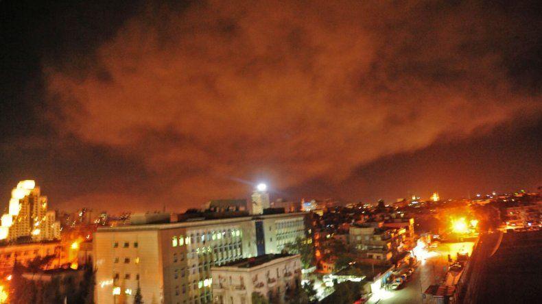 Estados Unidos, Francia y Reino Unido lanzaron ataques contra Siria