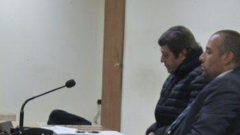 Luis Moreno junto a su abogado defensor Mauro Fontéñez.
