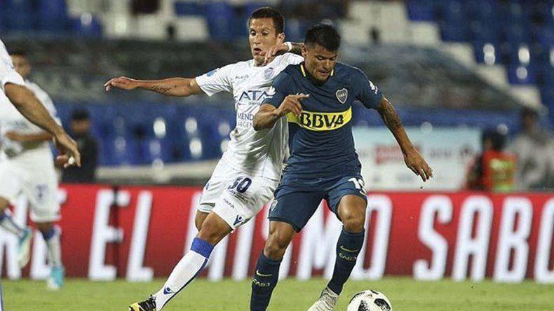 Walter Bou será esta noche titular en la formación xeneize que tendrá una riesgosa visita a cancha de Independiente.