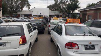 bocinazos de taxistas por las exigencias desmedidas de nacion