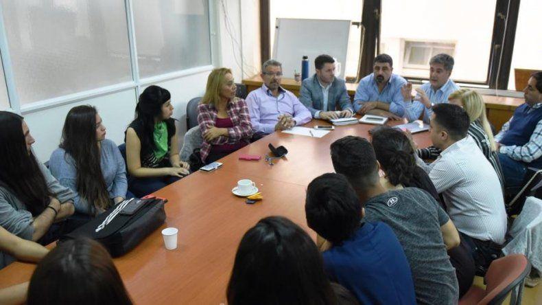 Estudiantes, concejales y funcionarios se reunieron hoy por el TEG
