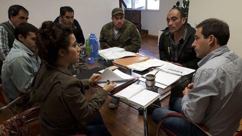 El encuentro de habitantes del barrio pesquero con integrantes del Concejo.
