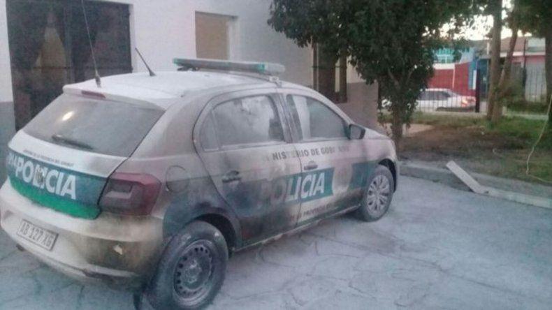 Intentaron quemar un patrullero