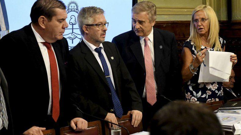 El ministro de Defensa, Oscar Aguad expuso ante el Congreso sobre la operación de búsqueda del submarino ARA San Juan