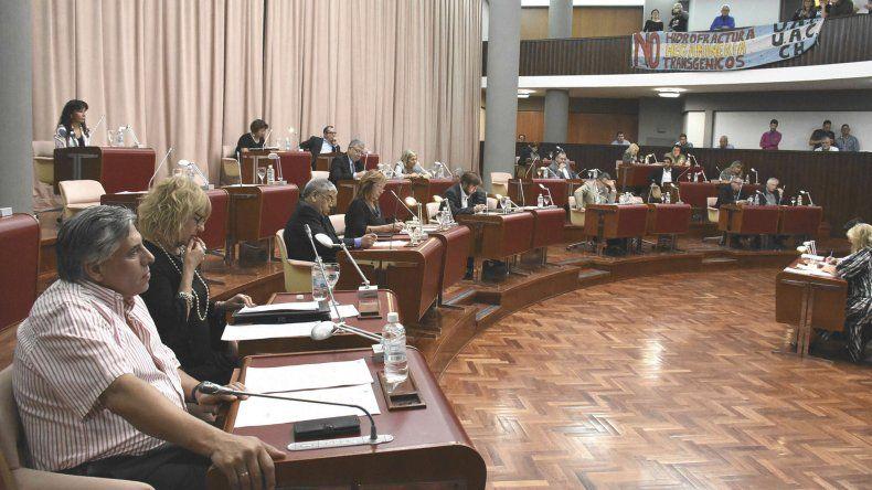 En la sesión de ayer en la Legislatura también se abordaron aspectos relacionados con la situación financiera de la Provincia.