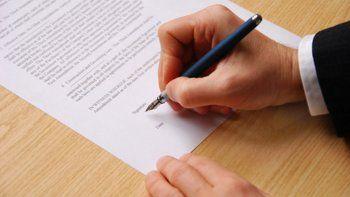 procedimientos en relacion a una investigacion por estafa y falsificacion de documentos