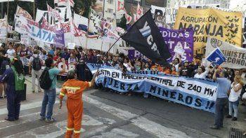 La situación de Río Turbio ya cobró visibilidad en la ciudad de Buenos Aires, donde los mineros pelean para que no haya más desocupación.