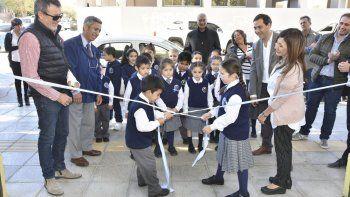 reconstruyen las veredas de la escuela provincial 1