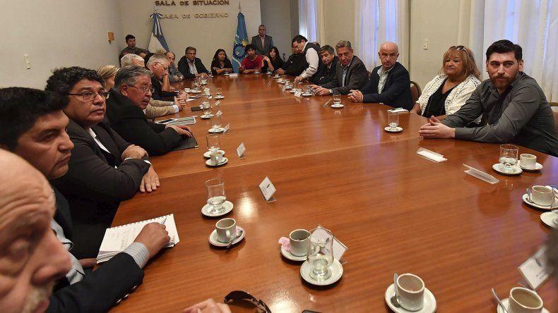 En la reunión se coincidió en que el diálogo es más necesario que nunca para que la situación no se desborde.