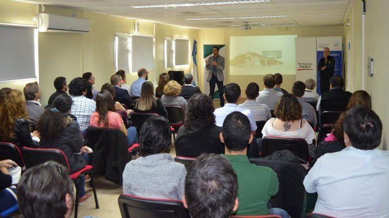 Se presentó en Comodoro Conocimiento el programa Desarrollando Liderazgos