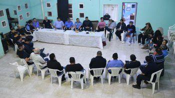 policia y vecinos se reunieron para tratar la inseguridad en barrios