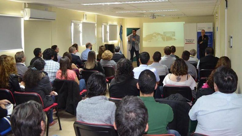 En la Agencia Comodoro Conocimiento se lanzó el programa Desarrollando Liderazgos.