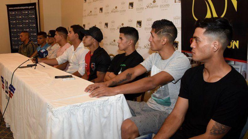 Los protagonistas de la velada boxística que se llevará a cabo esta noche en el gimnasio municipal